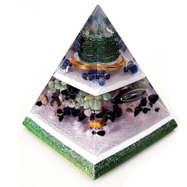 Orgonite Personalizado Pirâmide com Hematita Magnetizada 14 a 16cm