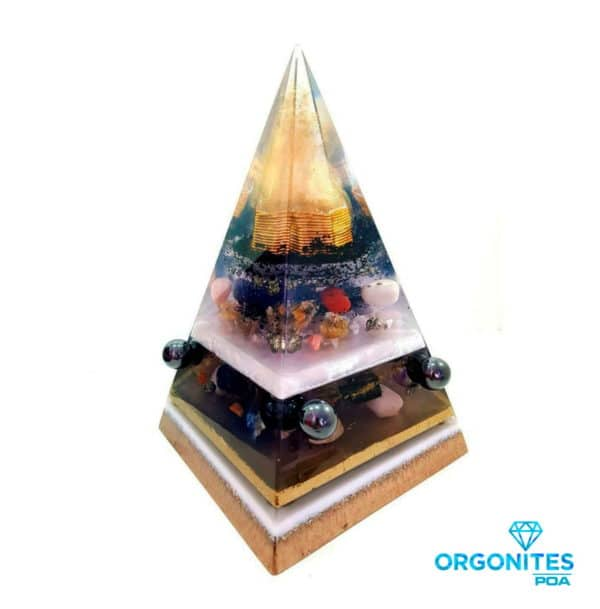 Orgonite Personalizado Pirâmide com Hematitas Magnetizadas 30cm