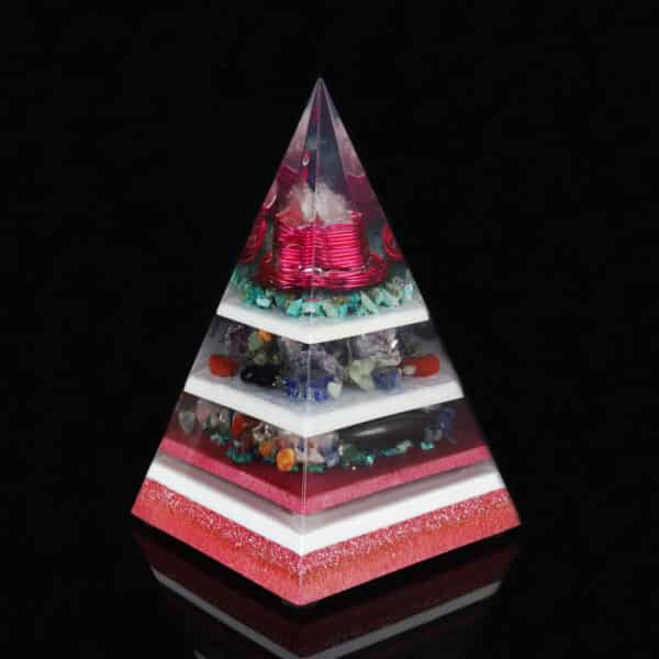 Pronta Entrega - Pirâmide Rosa com Hematitas Magnetizadas 26cm